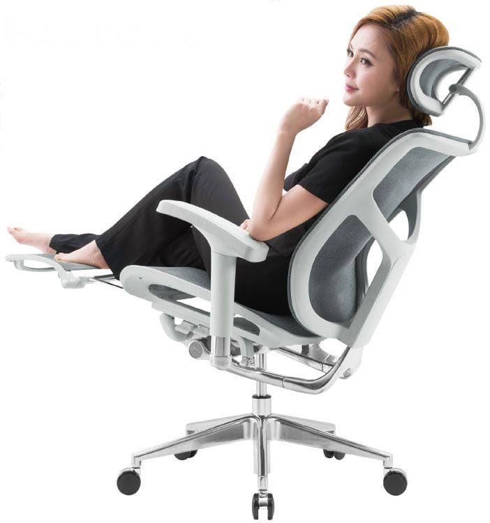Купить Эргономичное кресло Expert Star с подножкой