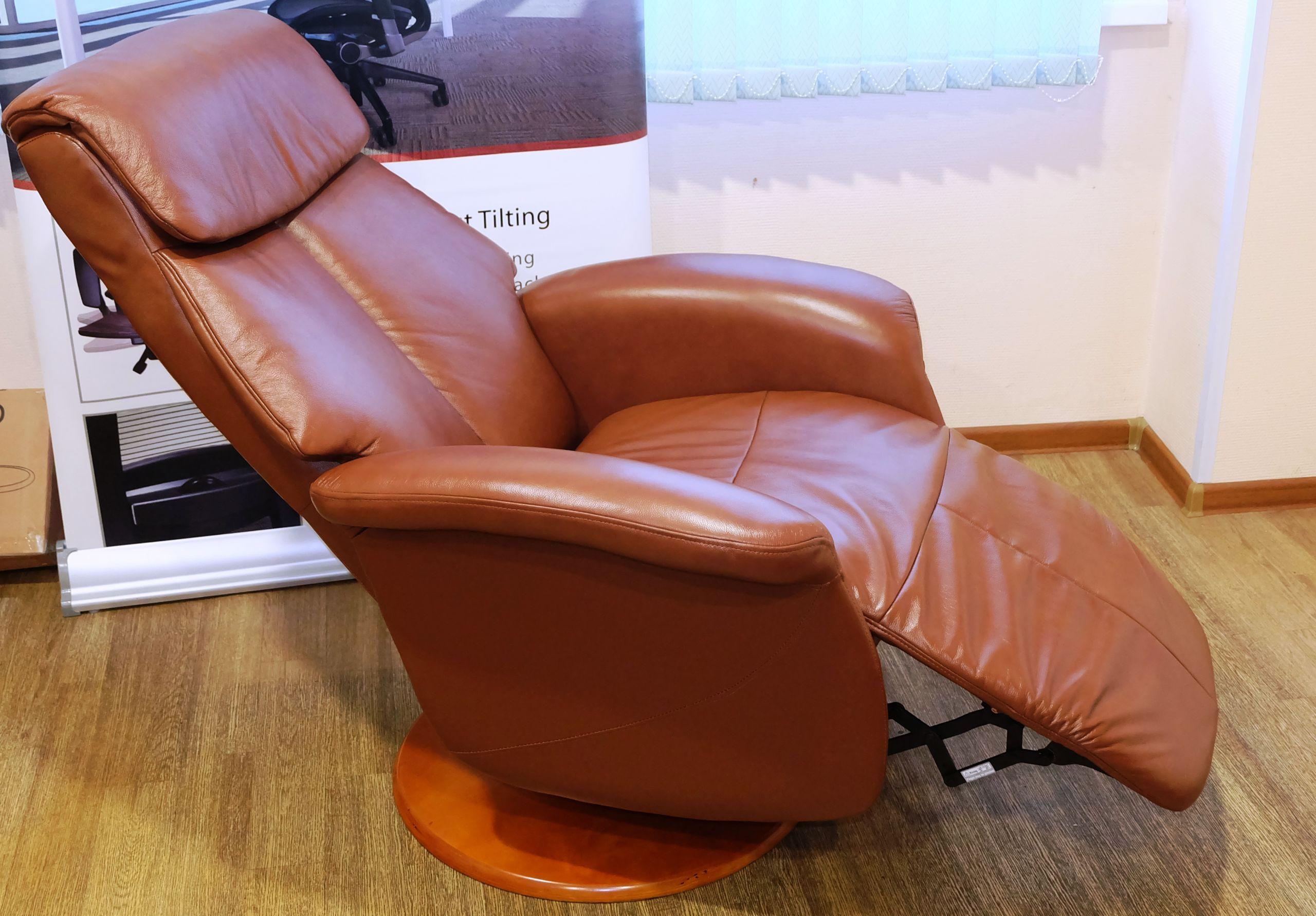Кожаное кресло реклайнер Relax Lotus сиденье и спинка